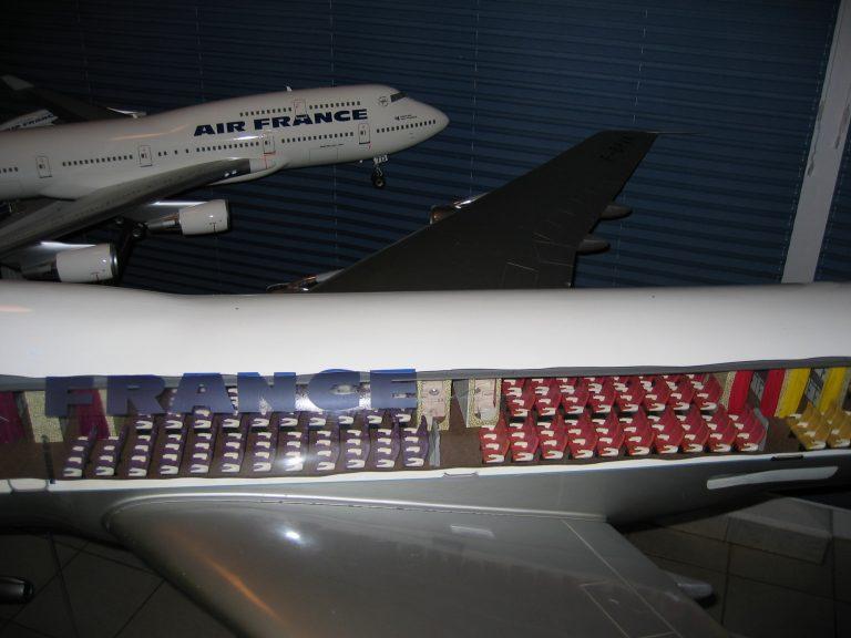 B 747 AF 043