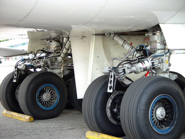 lax_747-400-17