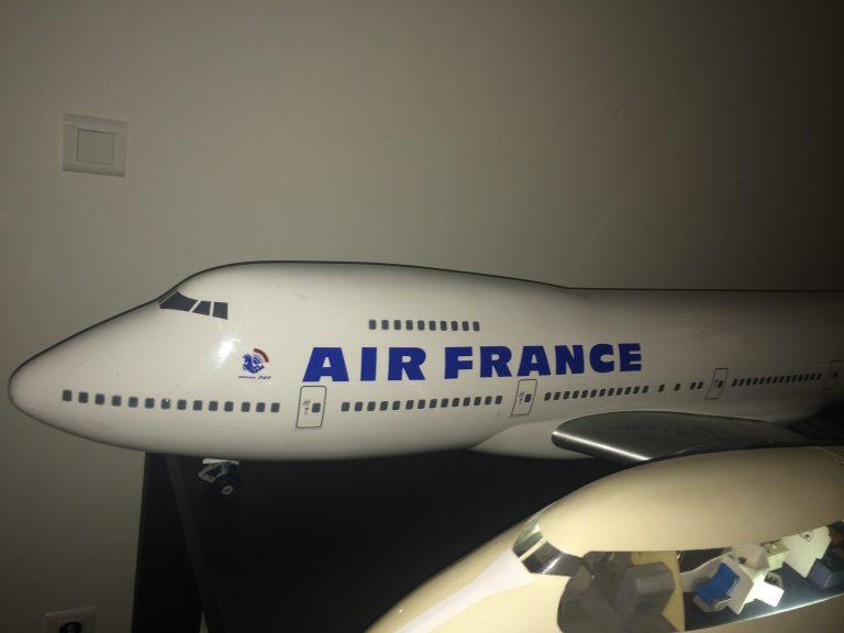 Avions 111