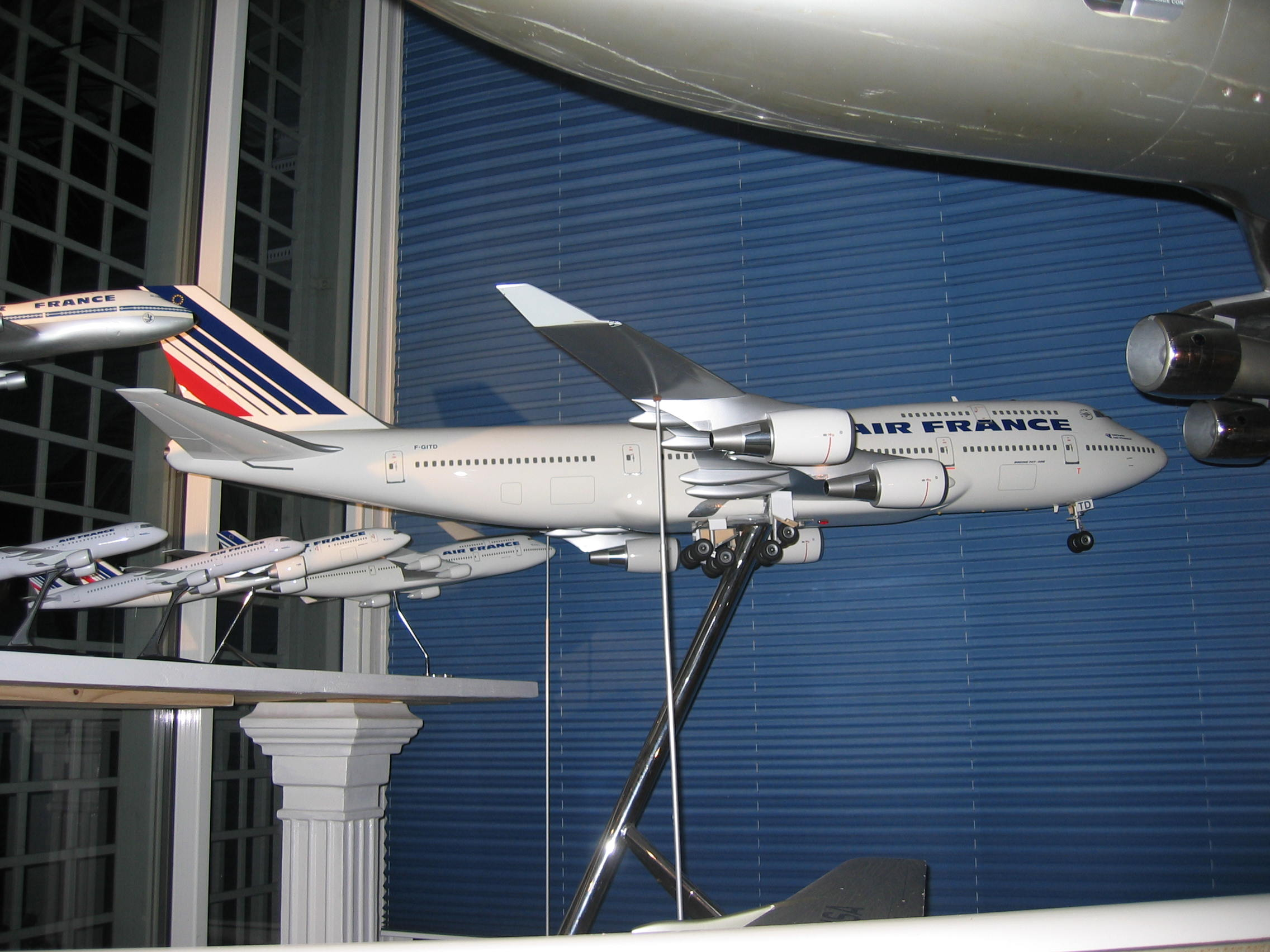 Boeing 747 400 air france new colors 1 32nd scale solid for Interieur 747 cargo