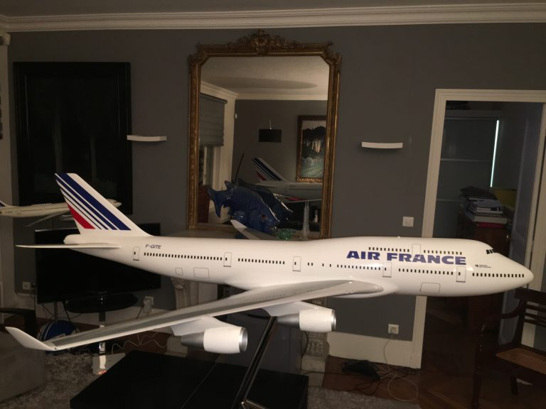 Boeing 747-400 AIR FRANCE New Colors 1/30th Scale Solid Model