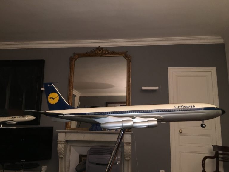 Boeing 707 LUFTHANSA 1/25th Scale Solid Model Transparent Windows with Landing Gear