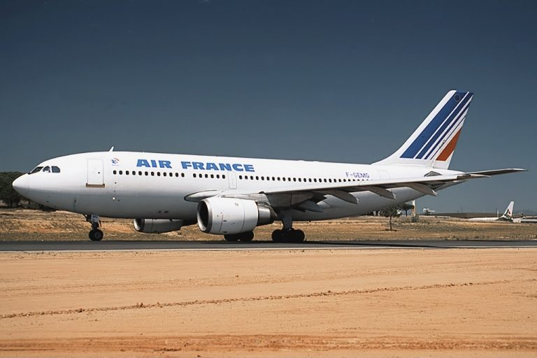 Airbus_A310-203,_Air_France_JP5834306